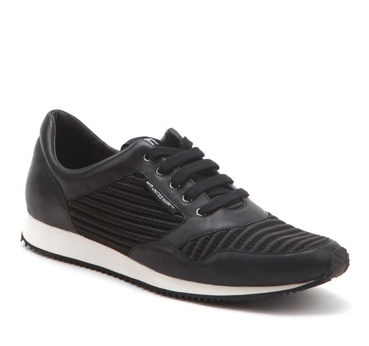 Runner Black+White