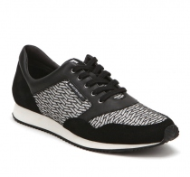 Runner Mens Black on Pistachio Riz